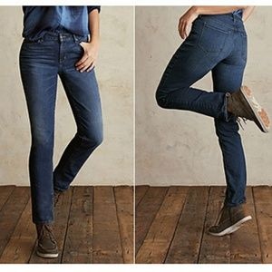 Eddie Bauer Aged Blue Curvy Straight Fit Jeans